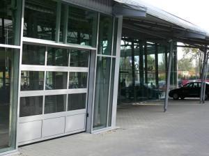 brama segmentowa panoramiczna